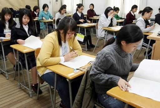 受験競争が激化、増える若者の自殺 韓国