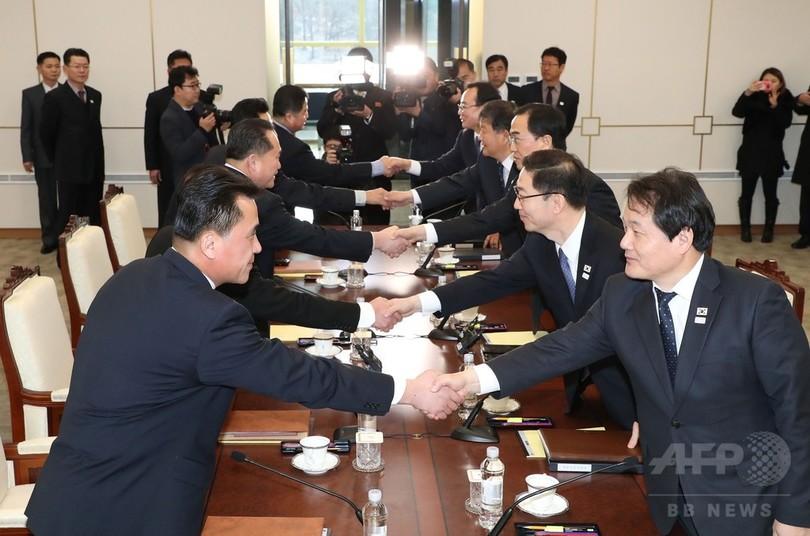 韓国、平昌五輪開催中に離散家族の再会を提案 南北高官級会談