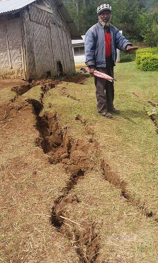 パプアニューギニア地震、被害状況の確認が難航