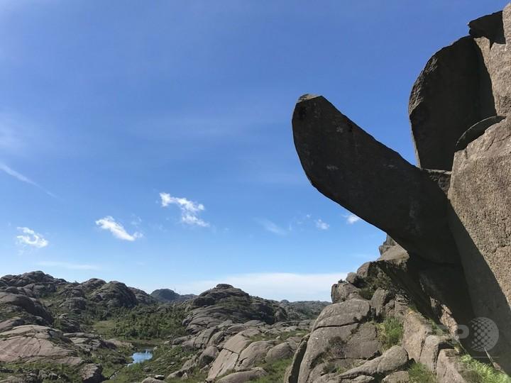 「立ち上がれ再び!巨人のペニス」 ノルウェーの岩修復で募金活動