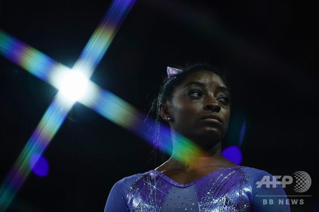 体操女王バイルス、東京五輪延期は「精神的負担大きい」