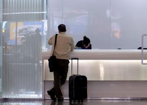 台湾の新パスポート、誤って米空港の写真使用 20万冊廃棄へ