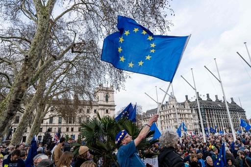 EU残留派100万人が英ロンドンに集結、再国民投票を求めてデモ行進