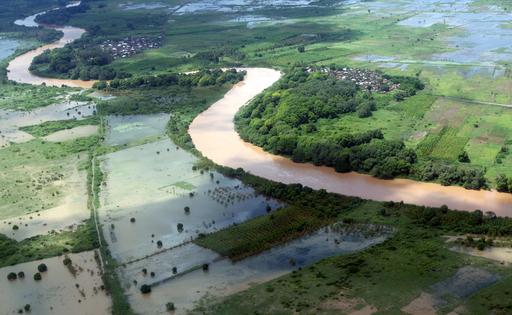 アフリカの洪水、被災者の数が150万人に増加