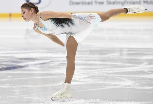 シニアデビューの16歳コストルナヤが女子SP首位発進、フランス杯