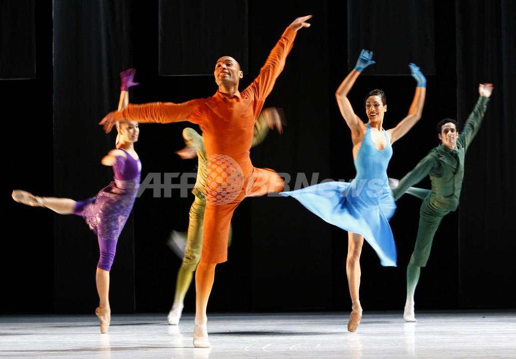 モンテカルロ・バレエ団の新作「湖」