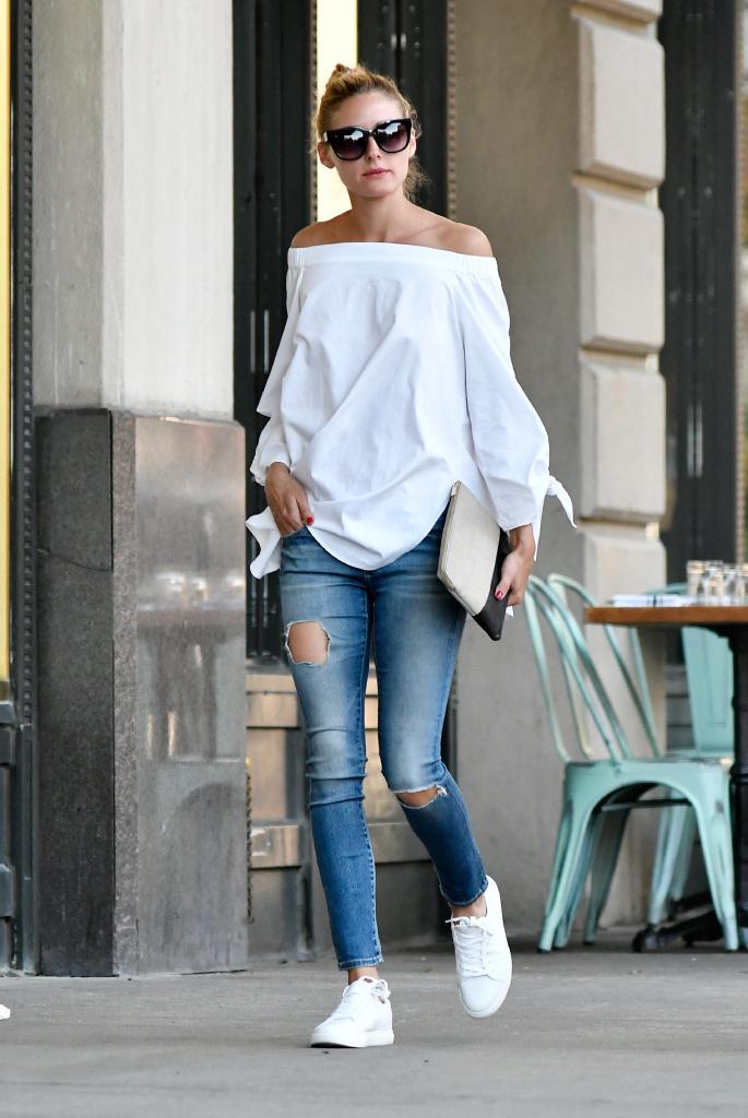 <White Shirt & Blouse>最旬、春スタイルは白シャツ&ブラウスのアップデートから