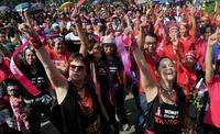 女性への暴力根絶求めるデモ、世界各地で開催 マニラでも「蜂起」