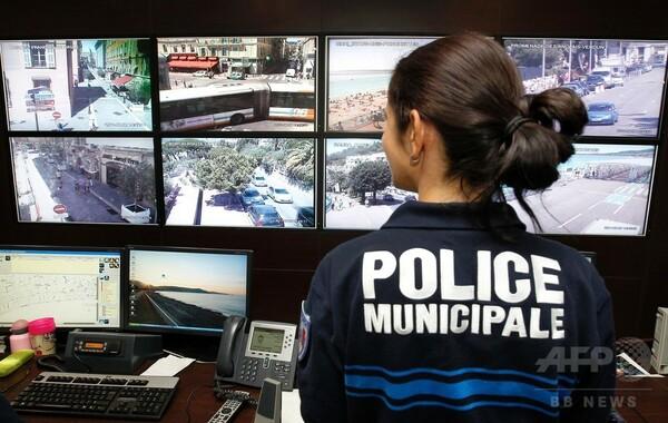 仏トラック突入、カメラ映像報告で内務省が警察に圧力か