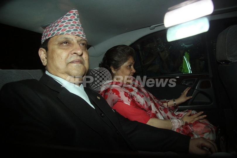 ネパール元国王、宮殿を退去 「国民の判断尊重する」