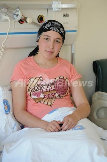 世界初の子宮移植女性が妊娠、トルコ