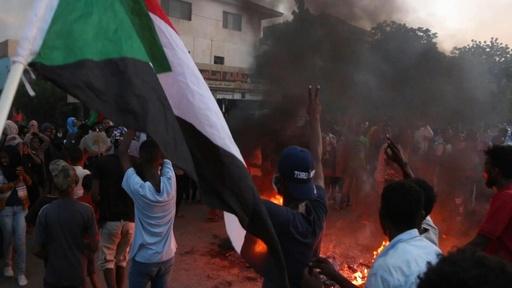 動画:流血の座り込みデモ強制排除に準軍事組織が関与、スーダン調査結果
