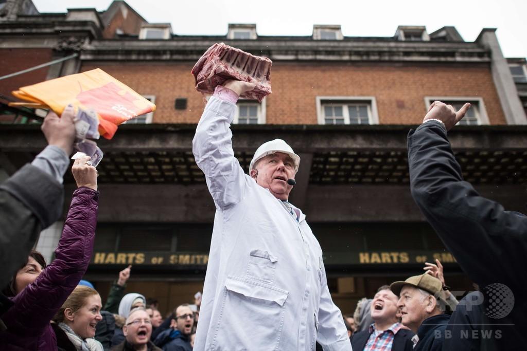 ロンドン史の一端、イブ恒例の肉の競り売り 今年で見納め?