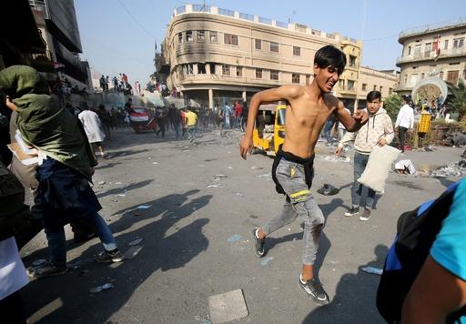 反政府デモ続くイラク、首都の3か所で爆発 6人死亡