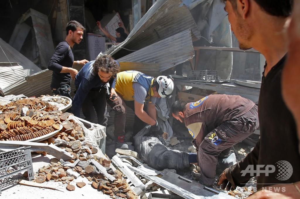 シリア政権側が北西部爆撃、民間人6人死亡 トランプ氏の要求無視