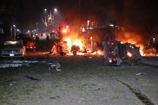 ソマリア首都で過激派襲撃、19人死亡 100人超負傷