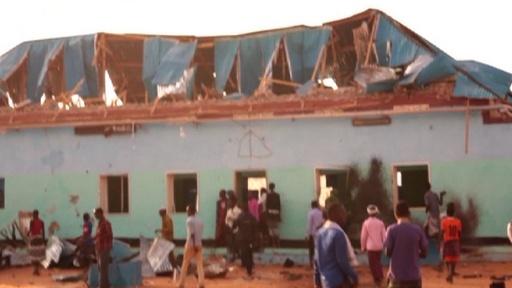 動画:イスラム神秘主義の聖廟を過激派勢力が襲撃、35人死傷 ソマリア