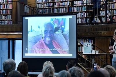 ノーベル賞代わりの文学賞、カリブ海出身の作家に 「植民地の荒廃と混乱」描く
