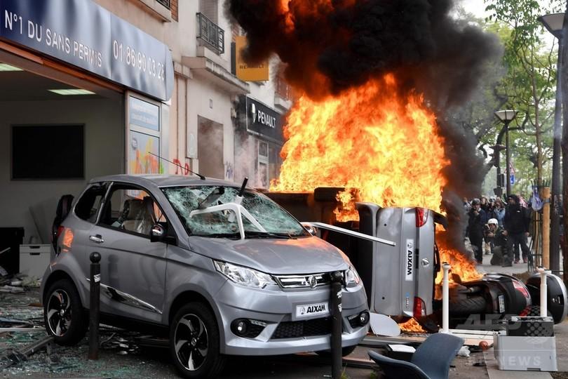 マクドナルドに放火、300人近く逮捕 パリのメーデー行進、暴動に発展