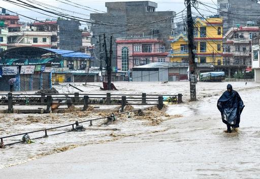 南アジア豪雨、死者650人超 1000万人が被災