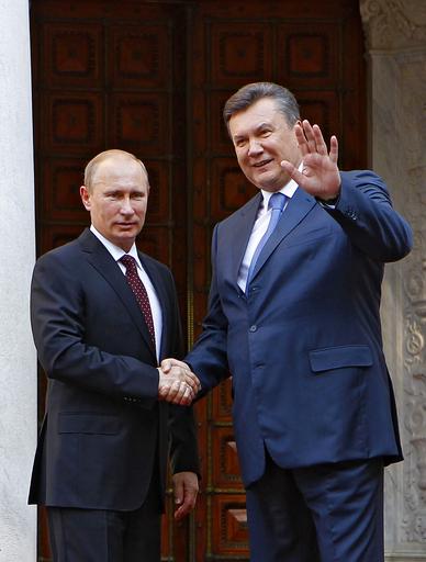 プーチン露大統領、ウクライナで首脳会談に4時間遅刻