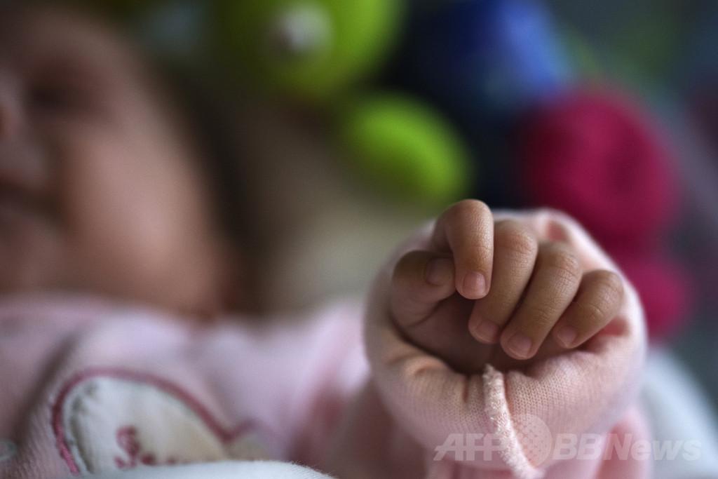 赤ちゃんの突然死、寝具の共有が最大要因 米研究