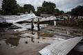 水200万リットル入りの貯水槽が破裂、3人死亡 フィリピン
