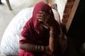 インド貧困女性を襲う