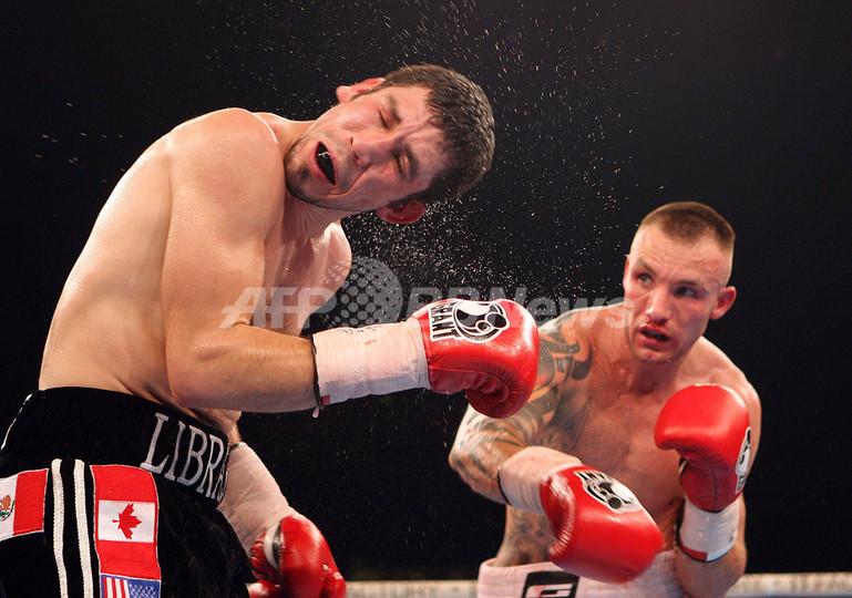 <ボクシング>ケスラー 判定の末にアンドラデを破りタイトル防衛に成功 - デンマーク