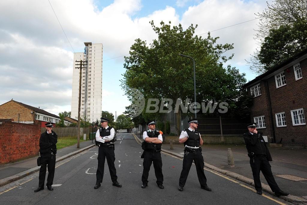 ロンドンの兵舎近くで男性殺害、イスラム過激派によるテロか