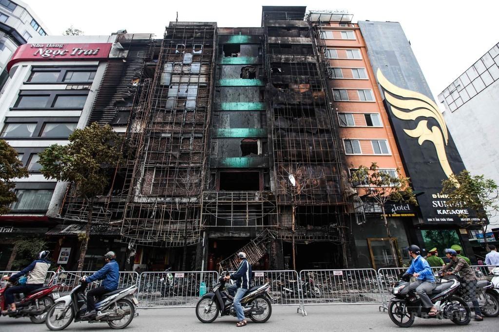 カラオケバーで火災、13人死亡 ベトナム