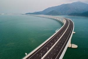 中国本土と香港・マカオ結ぶ世界最長の橋、開通式に習近平氏ら出席