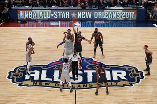 NBAオールスターの先発発表、メンバー選ぶ主将はジェームズとカリー
