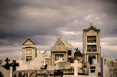 こんな墓地で眠りたい? 世界トップクラスの美しい墓地、チリ