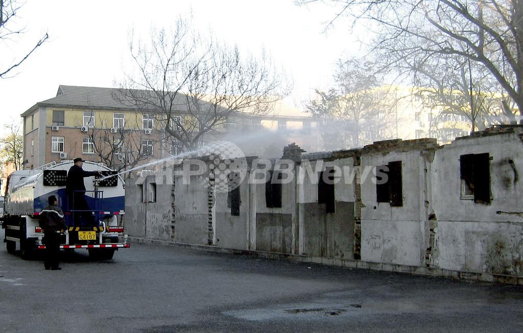 中国当局、人権活動家の自宅をブルドーザーで破壊