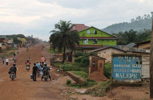 ウガンダの反政府勢力、隣国コンゴで100人殺害か