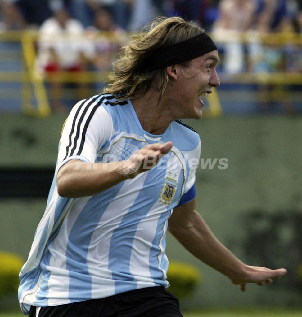 <サッカー 07南米ユース選手権>アルゼンチン カハイスのゴールでパラグアイに勝利 - パラグアイ