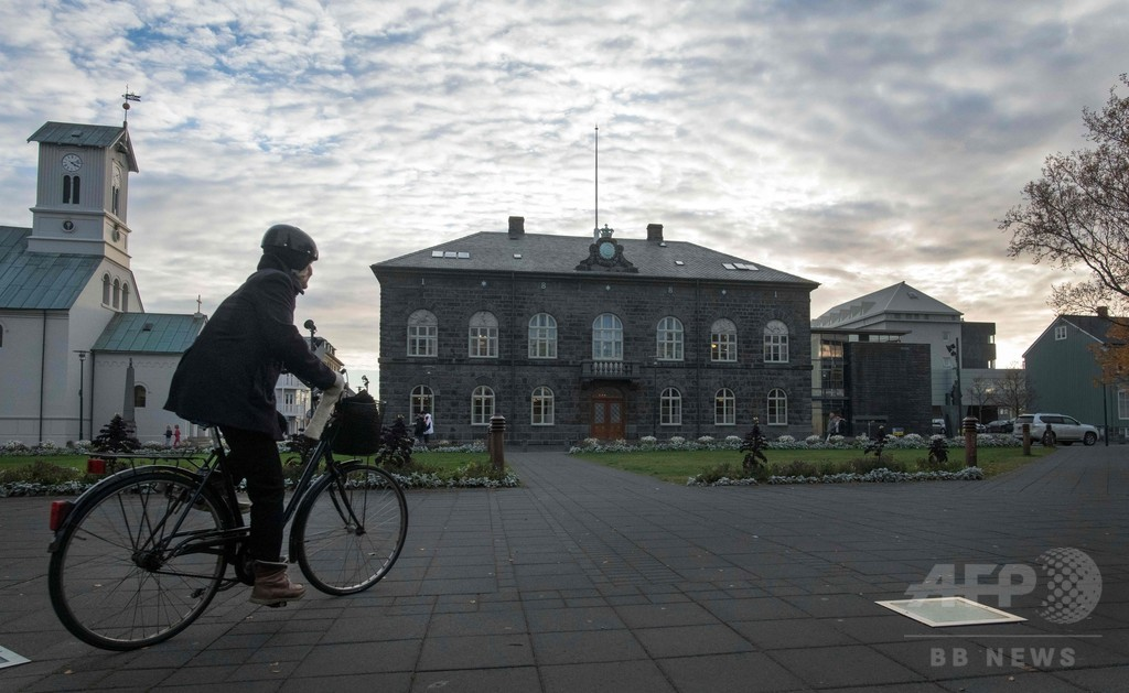殺人や性的暴行の元受刑者が弁護士に、批判高まる「名誉回復」 アイスランド