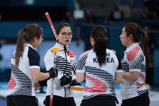 韓国カーリング女子、コーチ陣が賞金横領 脱税、不正採用も発覚