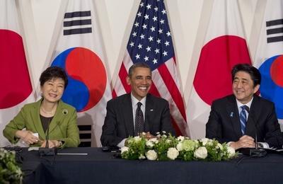 日米韓首脳会談、オバマ米大統領の仲介で実現