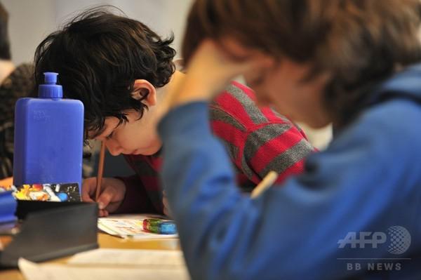 OECD諸国、15歳の4人に1人が学力不足
