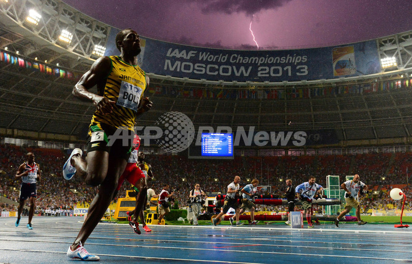 ボルトと稲妻の奇跡の一枚、AFPカメラマンが激写