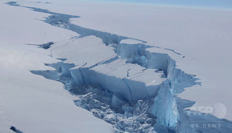 史上最大級の南極の氷山分離、亀裂の新たな映像