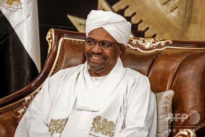 スーダン議会、大統領の非常事態宣言を期間短縮で承認