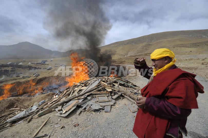 中国国家主席、地震の被災地へ ダライ・ラマも訪問を希望