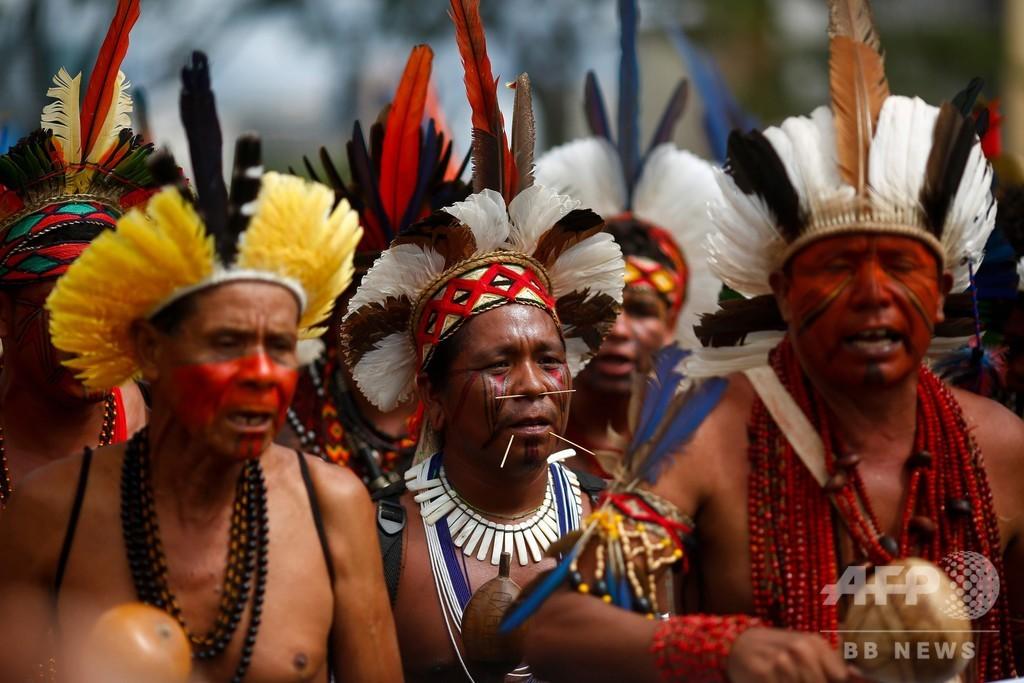 ブラジル・アマゾンの先住民、新型コロナで「絶滅」危機 著名写真家が大統領に公開書簡