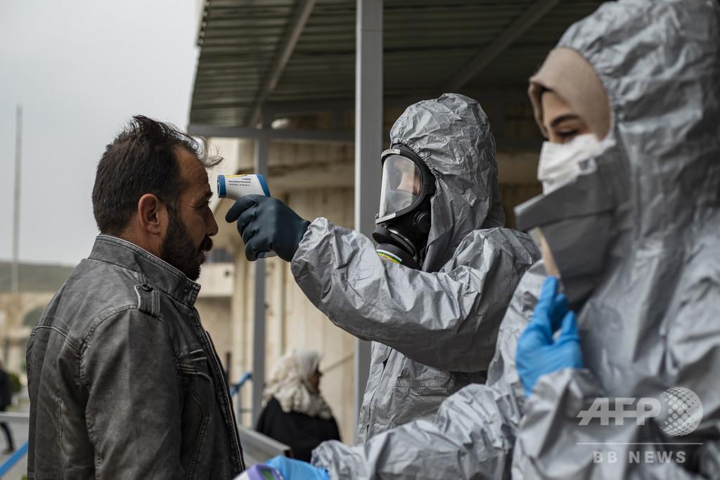 【解説】新型コロナウイルス、死亡リスクが高いのは誰か