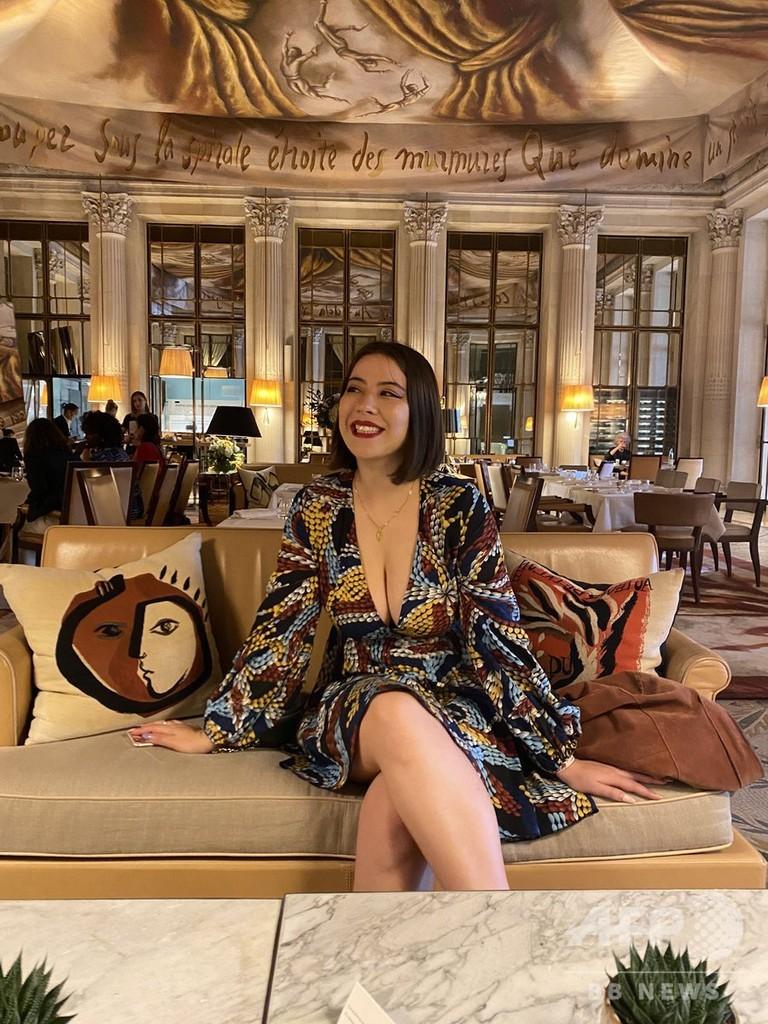仏美術館、胸元の開いた服の女性の入場を拒否 批判受け謝罪
