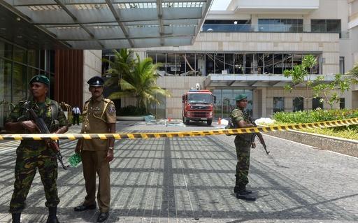 スリランカ連続爆発、自爆犯2人は「イスラム教徒の兄弟」 警察筋