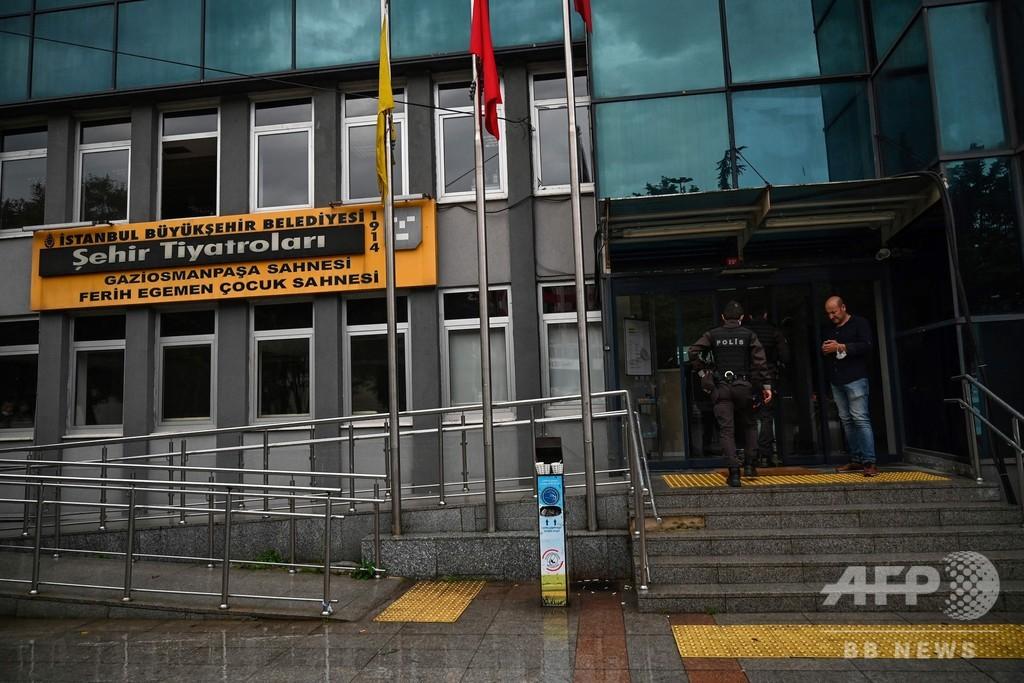 イスタンブール当局、クルド語の風刺劇の上演禁止